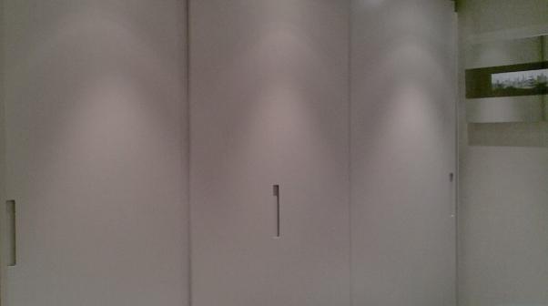 a-home-in-londons-kensington-master-bedroom-wardobe-area-c2a9anna-hansson-design-ltd-MOOD