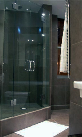 a-home-in-londons-kensington-bespoke-shower-c2a9anna-hansson-design-ltd