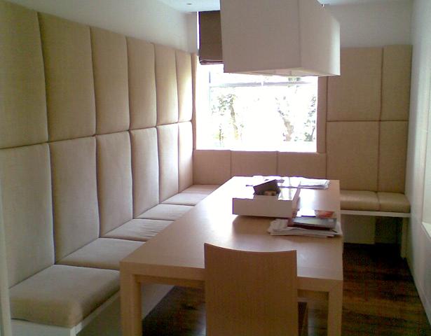 a-home-in-londons-kensington-funky-dining-room-area-c2a9anna-hansson-design-ltd
