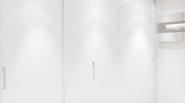 a-home-in-londons-kensington-master-bedroom-wardobe-area-c2a9anna-hansson-design-ltd-b&w