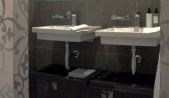 ©Anna Hansson Design_a-home-in-londons-kensington-master-bathroom