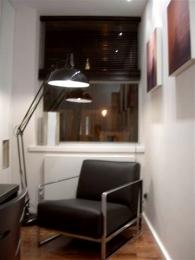 ©Anna Hansson Design_a-home-in-londons-kensington-reading-room